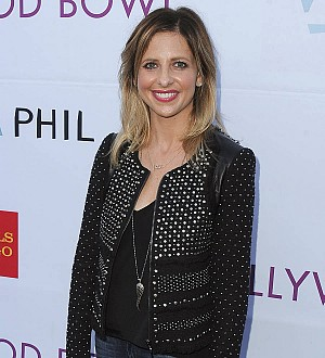 Handymen save Sarah Michelle Gellar from Thanksgiving emergency
