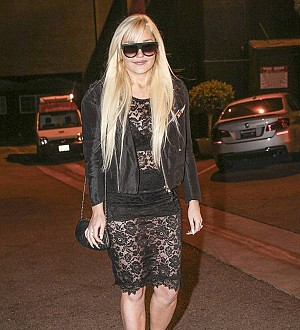 Amanda Bynes pregnant and engaged - report