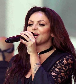 Jesy Nelson injures knee
