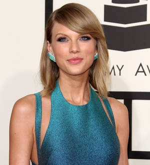 Taylor Swift comforts fan over mum's death