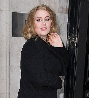 Adele ends estrangement with her dad - report