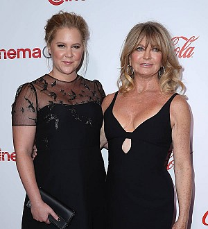 Amy Schumer and Goldie Hawn were inseparable during Snatched shoot