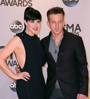 Thompson Square band members involved in Twin Shadow bus crash