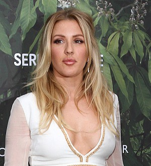 Ellie Goulding returns to the stage after battling exhaustion