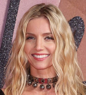 Annabelle Wallis walked into glass panel in front of Tom Cruise