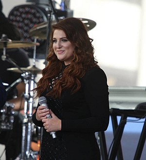 Meghan Trainor feels like a woman for Shania Twain performance