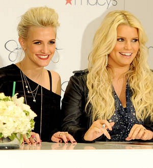 Jessica Simpson hosts baby shower for sister Ashlee