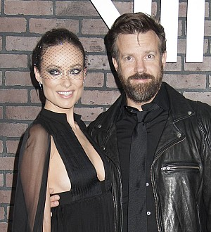 Olivia Wilde brushes off pregnancy speculation
