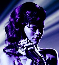 Diamonds still bright for Rihanna at the top of pop charts