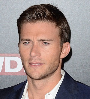 Scott Eastwood goes commando for TV show