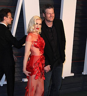 Blake Shelton performs birthday duet with Gwen Stefani