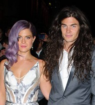 Kelly Osbourne secretly engaged - report