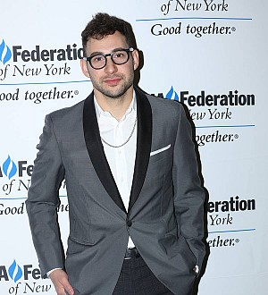 Jack Antonoff defends Lena Dunham over dog controversy