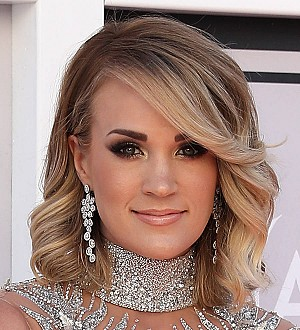 Carrie Underwood providing funding for 100 girls sports teams
