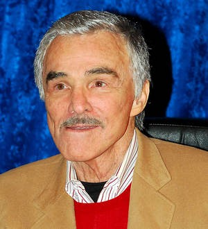 Burt Reynolds makes rare public appearance at first Comic Con event