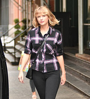 Exes Taylor Swift and John Mayer attend Drake's birthday bash