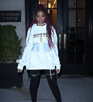 Keke Palmer leads festive flash mob for TV special