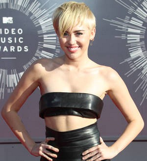 Miley Cyrus' homeless pal puts her MTV award on eBay - report