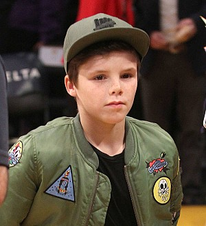 Cruz Beckham signs with Justin Bieber's manager